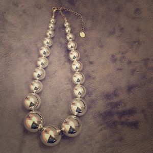 Jewelry - Large silver tone gradual beaded necklace